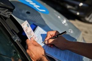 Кто оплачивает штрафы гибдд собственник или водитель. Компания оплатила штраф за водителя: действия бухгалтера