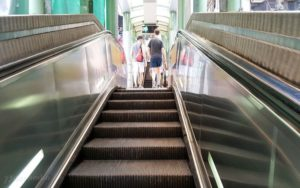 Самый длинный эскалатор. Самый длинный эскалатор в мире
