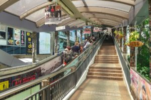 Самый длинный эскалатор в мире — Mid-Levels Escalator в Гонконге. Самый длинный эскалатор в мире